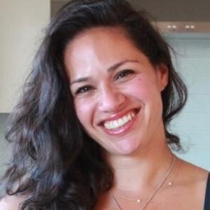 "Yasmin Fahr, Director<br><img class=""btn-w-lg"" src=""https://goaudits.com/wp-content/uploads/2019/01/lokapack.png"" alt=""Lokapack"">"